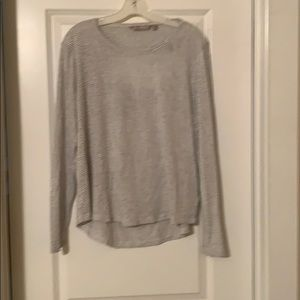 Thin long sleeved top